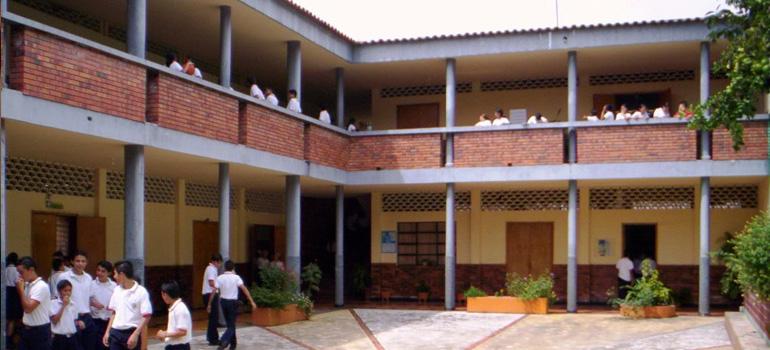 Cai a quantidade de escolas no Brasil