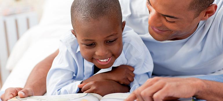 Ensine a seu filho que ler é um prazer
